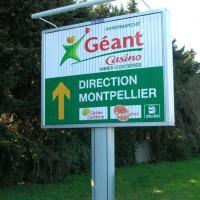 Panneau d'affichage trivision à Montpellier