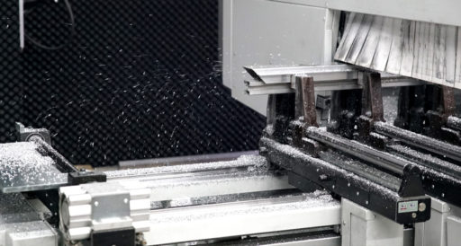 Latest technology: 5-axis aluminum cutting machine