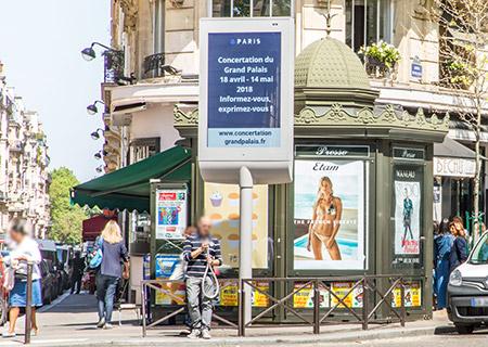 Panneau affichage numérique ville