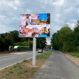 panneau led double face installé à Monheim am Rhein